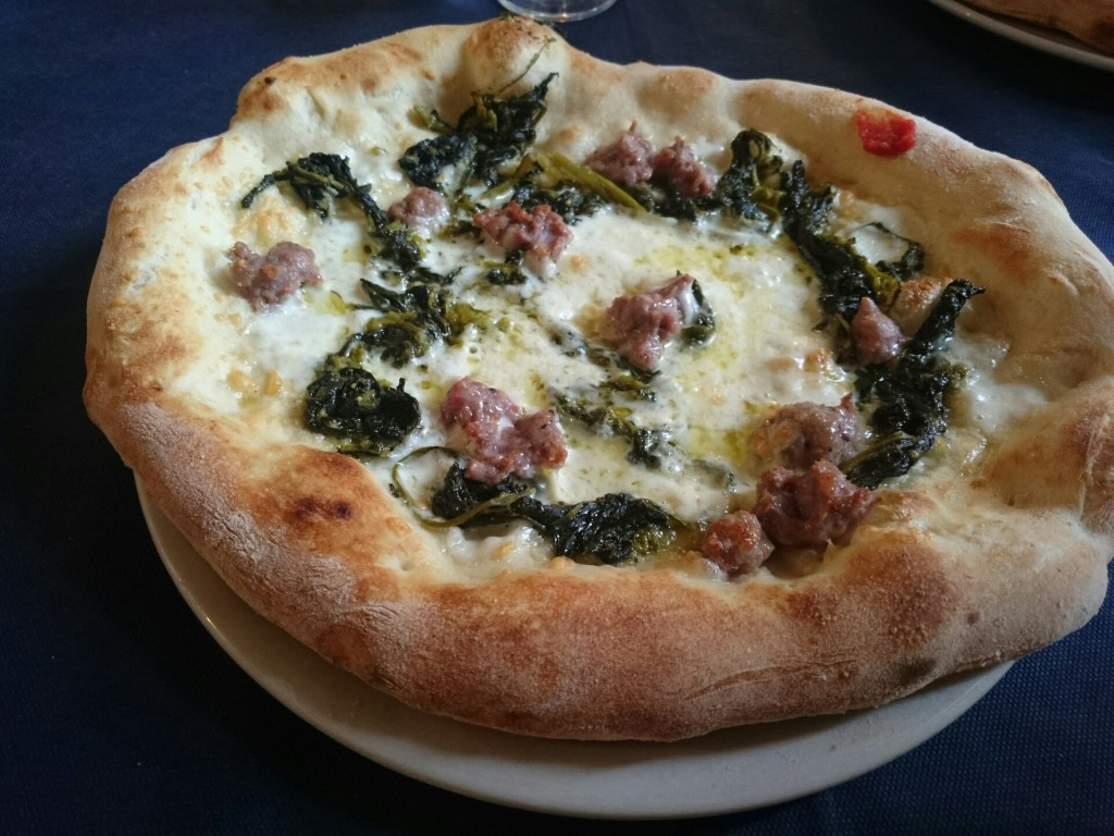 sausage and spinach pizza tuscany