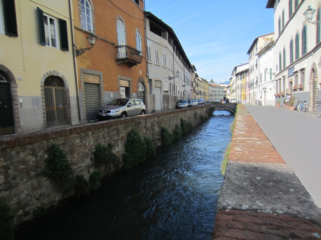 lucca tuscany river