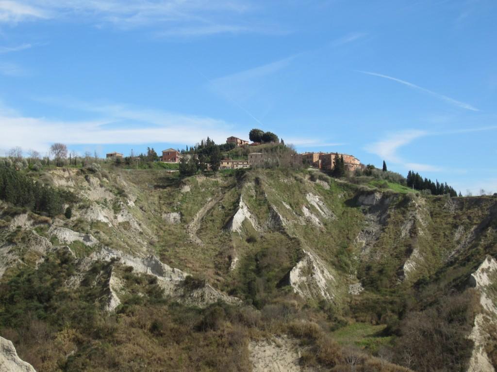 creta senesi tuscany craters