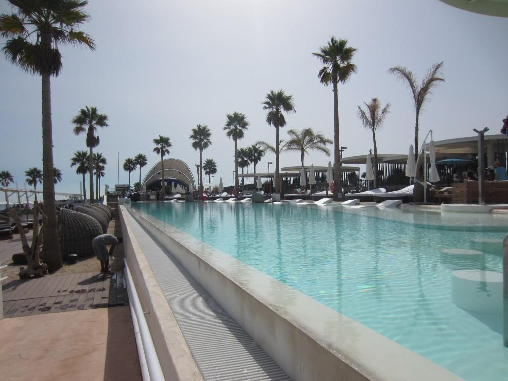 valencia marina beach club