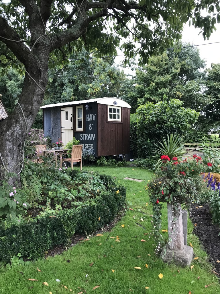 shepherd's hut with hot tub sauna pool sussex countryside near steyning, upper beeding