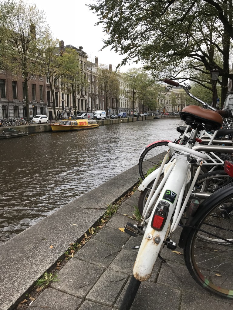 amsterdam river bike pic