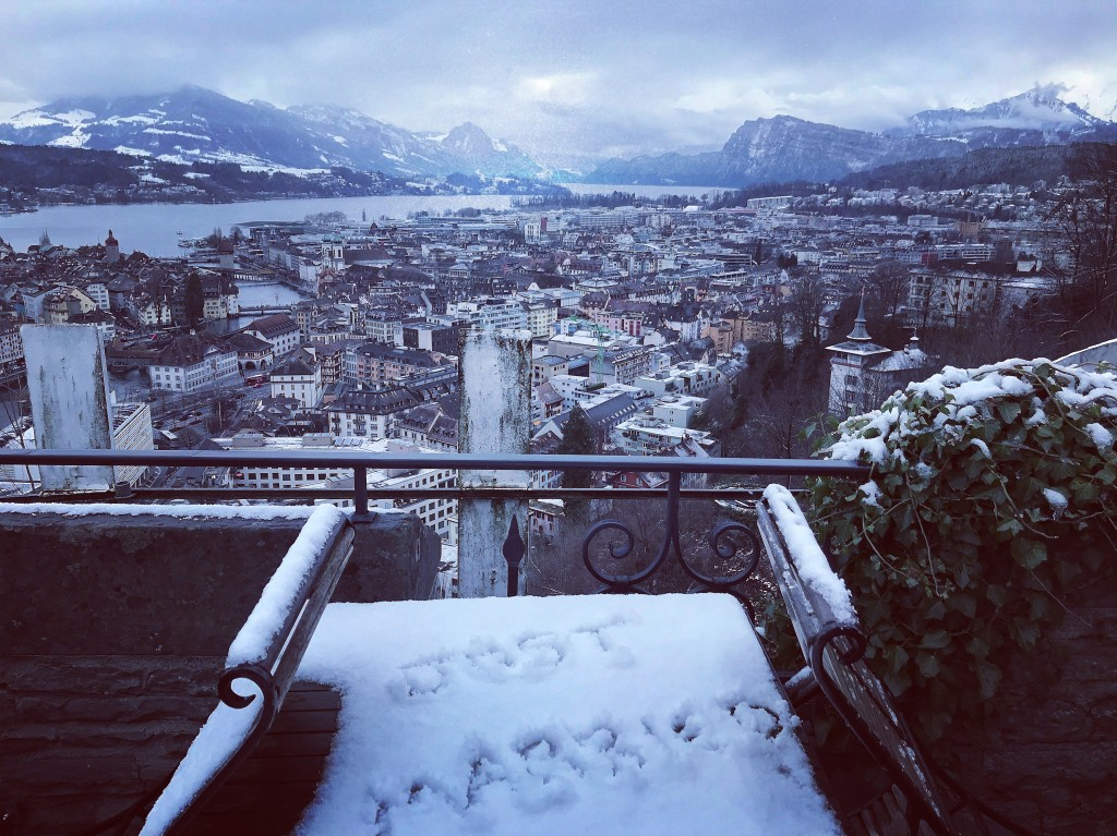 minimoon inspiration switzerland luzern city snow mountains