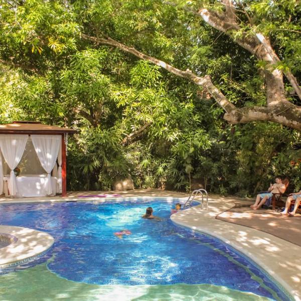 bosque del mar pool hotel costa rica