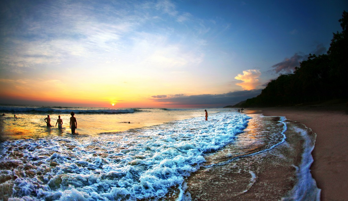 amazing costa rica beach at sunset