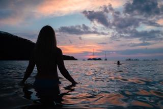 amazing sunset costa rica sea