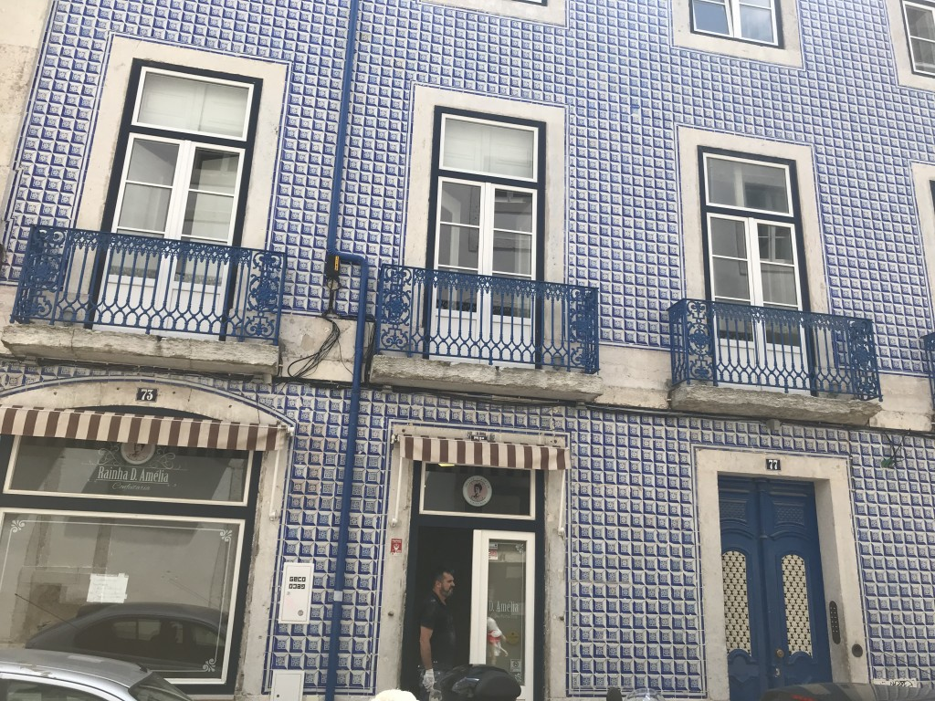 lisbon house blue
