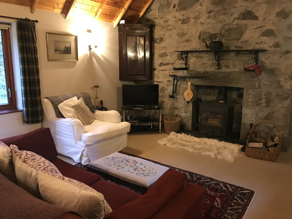 open fire cottage dog friendly cottage scotland Mar Lodge, Clat, Huntley, Aberdeenshire