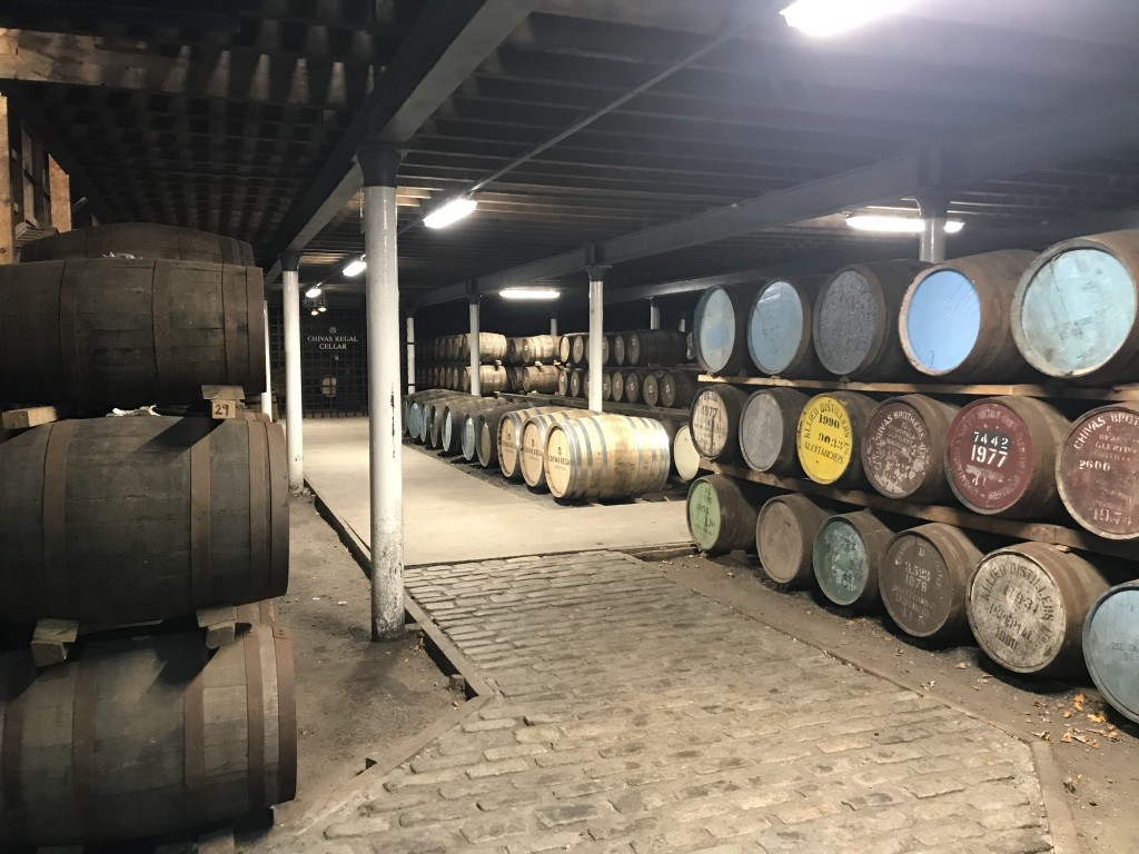 strathisla whisky distillery whisky barrels scotland